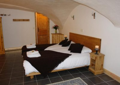 """Cave"" Bedroom Sleeps 4"
